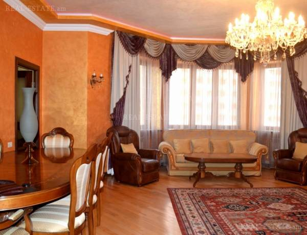 4 bedrooms apartment for sale خیابان زاراف آقبیور, آوان ایروان, 122695