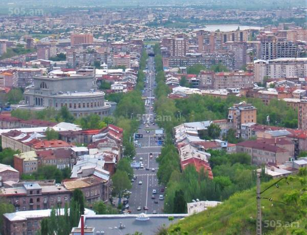 2-senyakanoc-bnakaran-vacharq-Yerevan-Center