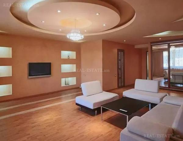 3 bedrooms apartment for sale خیابان آرام, مرکز شهر ایروان, 62373