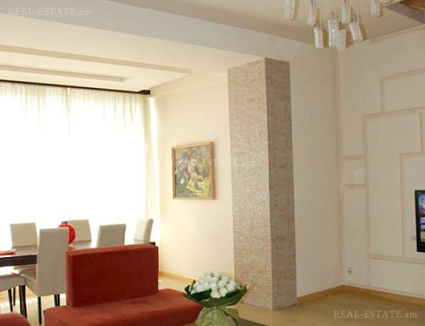 4-senyakanoc-bnakaran-vacharq-Yerevan-Center
